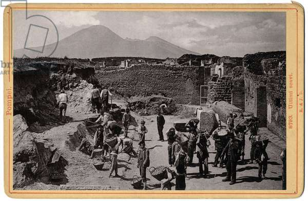Excavations in Pompei around 1900.