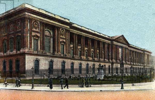"""Paris: exterior view of the Colonnade du Louvre built by Claude Perrault (1613-1688). Photograph of 1920 in """""""" Artistic Album"""""""" of the city of Paris. Private collection."""