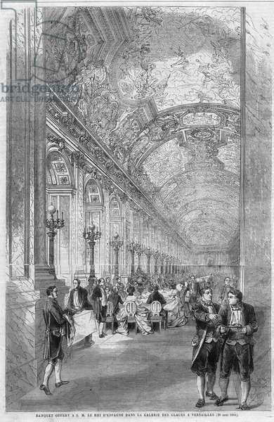 """Banquet offered to his majestic Marie Ferdinand Francois d'Assisi de Bourbon (1822-1902), King of Spain, in the gallery of the ice cream in Versailles on August 20, 1864. Engraving in """"The Illustrious Universe"""", 1864. Private collection."""