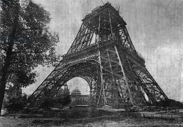 """State of the Eiffel Tower in July 1888 in """""""" the newspaper of the Youth """""""" of 1888."""
