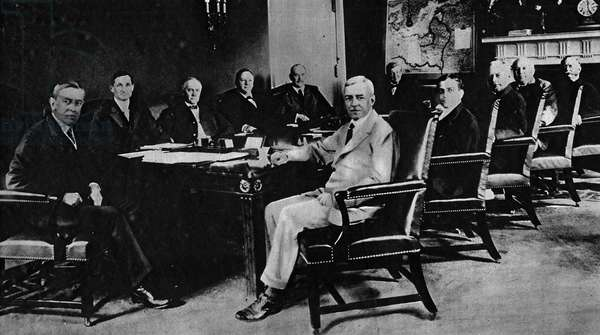 First World War (1914-1918): Woodrow Wilson (1856-1924) 28th American president and his cabinet in 1917 assembled in council at the White House.