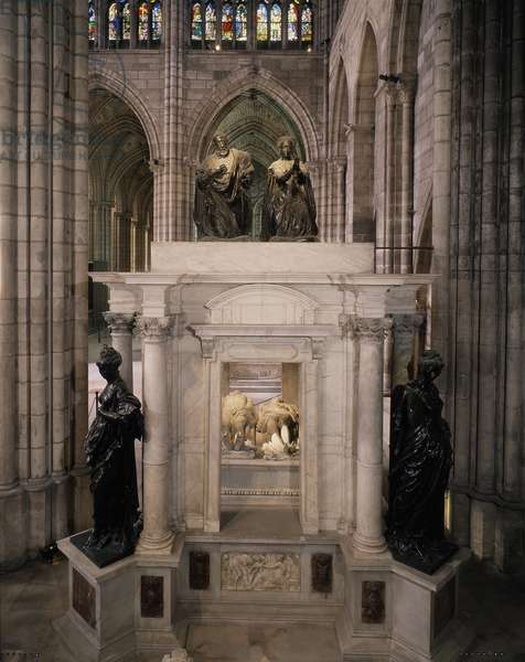 Tomb of Henry II and Catherine de Medici (Caterina de Medici). (1560/1570). Marble. Basilica of St Denis.