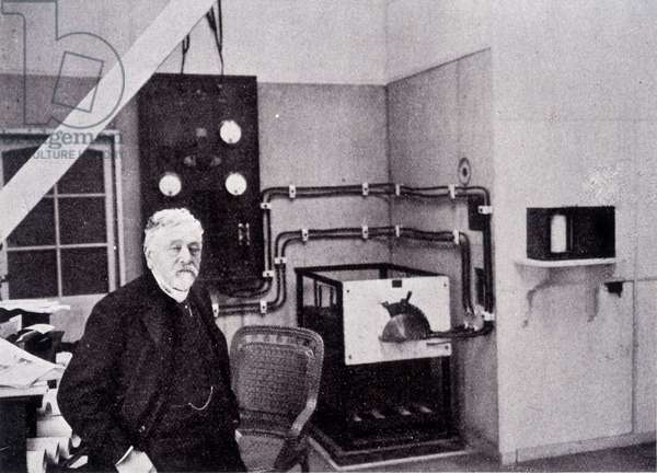 Gustave Eiffel (1832 - 1923) in his laboratory of the Champ de Mars.