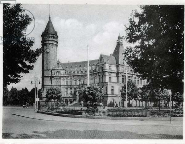 The Grand Duche of Luxembourg, the savings fund. Photography years 1930.