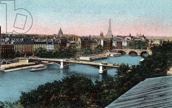 """Paris: panorama of the Seine with the Eiffel Tower in the background. Photograph of 1920 in """""""" Artistic Album"""""""" of the city of Paris. Private collection."""