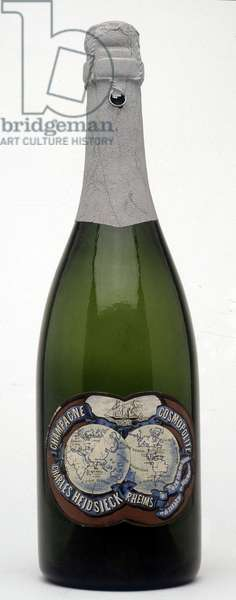 "Bottle of champagne """" Heidsieck"""", model (high end) for export."