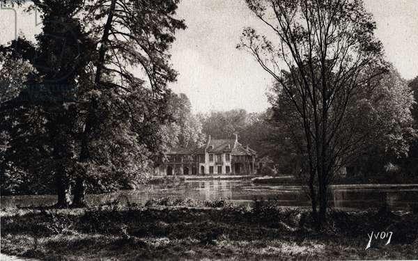 The hamlet of the queen, gardens of Versailles, Yvelines - 1910s, postcard. France, 20th century.