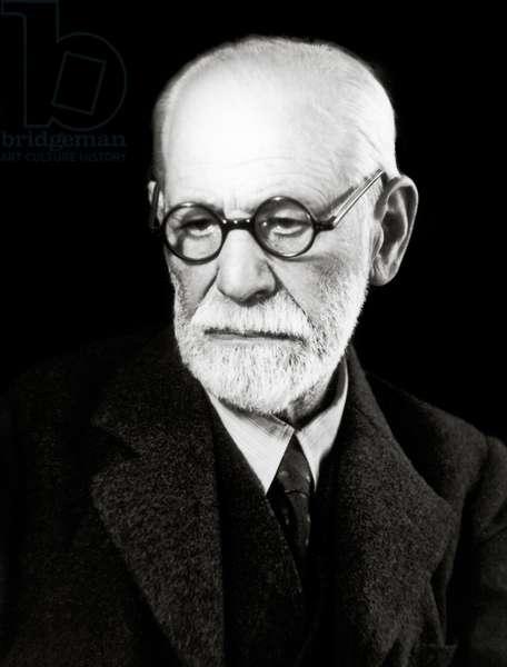 Sigmund Freud (1856-1939), Austrian neuropsychiatrist 1938.