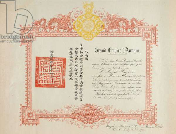 Certificate of Honor's Sapeque to Kim Tien soldier of the 1st Class of the Empire of Annam, Vietnam region (Indochina French). Ink on date paper dd 1921, total dimensions 51Cm X 40Cm.