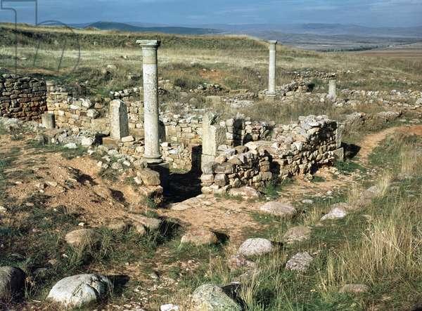 Ruin of a house in the Iberian city conquered by Scipio Aemilianus in 133 BC (photo)