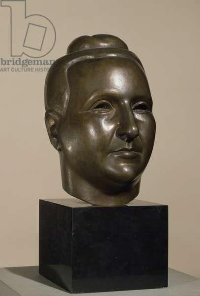 Gertrude Stein (1874-1946) 1920 (gilded bronze)