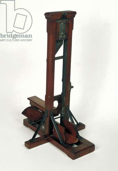 Reduced model of a guillotine (wood & metal) (see also 50504)