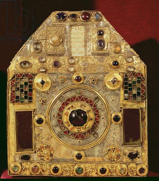 Phylactery or pentagonal reliquary, 10th-11th century (wood, copper, gilded silver & semi-precious stones)