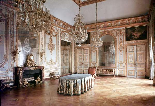 Interior of the Salle du Conseil (Council Chamber) 1701-55 (photo)