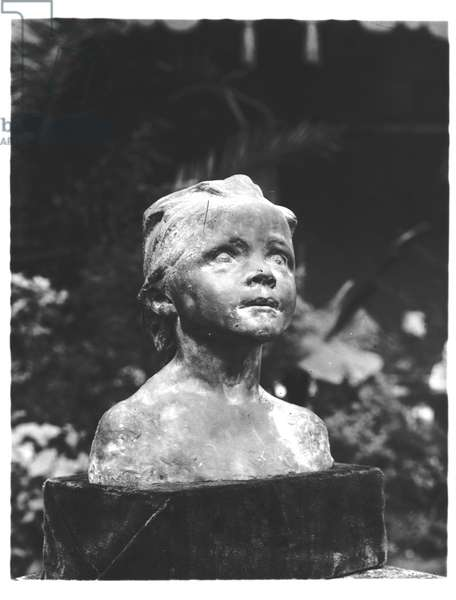 Jeanne as a Child, or The Little Lady (plaster) (b/w photo)