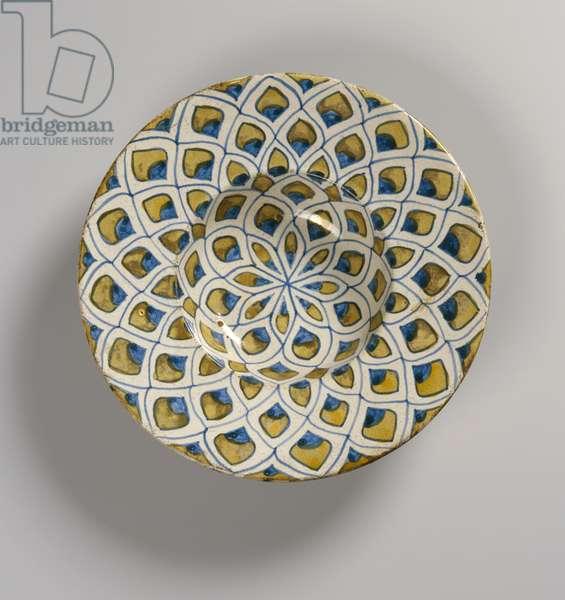 Decorated plate, Moorish (faience)