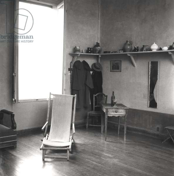 Interior of Cezanne's studio at Aix-en-Provence, c.1900-02 (b/w photo)