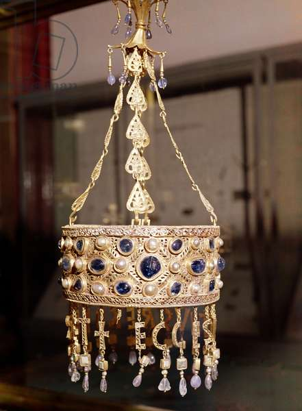 Votive crown of King Recesvinth (r.652-72) from the Treasure of Guarrazar, c.670 (gold, rock crystal, pearls & sapphires)