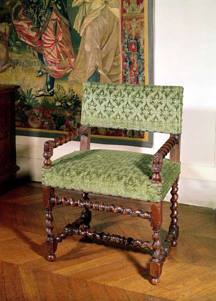 Louis XIII armchair (wood & damask)