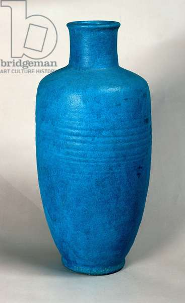 Vase in the form of a straight necked bottle (sandstone)