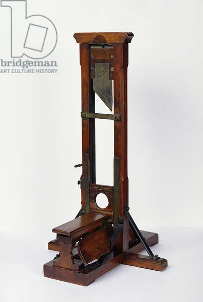 Reduced model of a guillotine (wood & metal) (see also 216411)