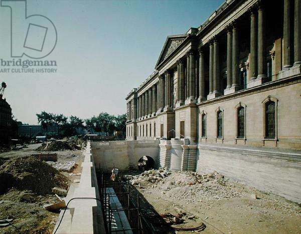 The colonnade of the Louvre photographed during restoration, 8th September 1966 (photo)