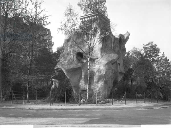 Prehistoric house at the Universal Exhibition of 1889 in Paris, architect Charles Garnier (1825-98) (b/w photo)