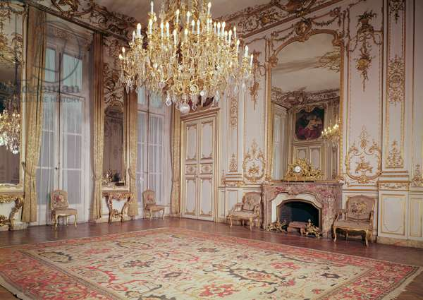 View of the interior of the Grand Salon on the ground floor, c.1722-33 (photo)