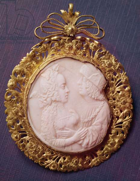 Cameo with two portraits (ivory & silverware)