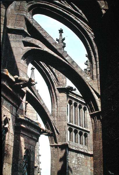 Detail of flying buttresses, 1450-1521 (photo)