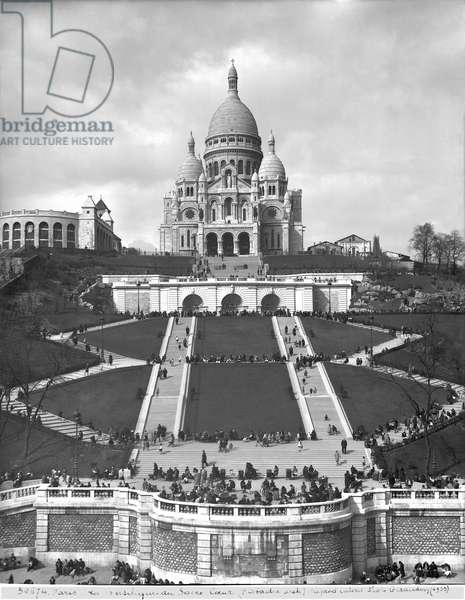 Basilica of Sacre-Coeur, Montmartre, 1876-1910 (b/w photo)