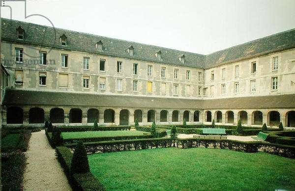 View of the Cloister of the Maternite Port-Royal (photo)