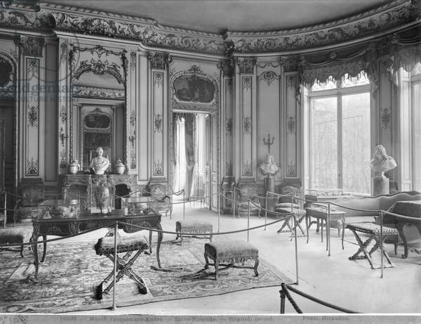 Jacquemart-Andre Museum, circular lounge, c.1910-20 (see also 345978) (b/w photo)