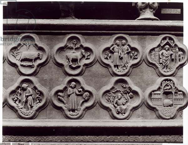 Quatrefoils with the Signs of the Zodiac, Labours of the Year, and prophets Sophonie and Ezekiel, from the Cathedral of Notre-Dame in Amiens (plaster cast from stone) (b/w photo)