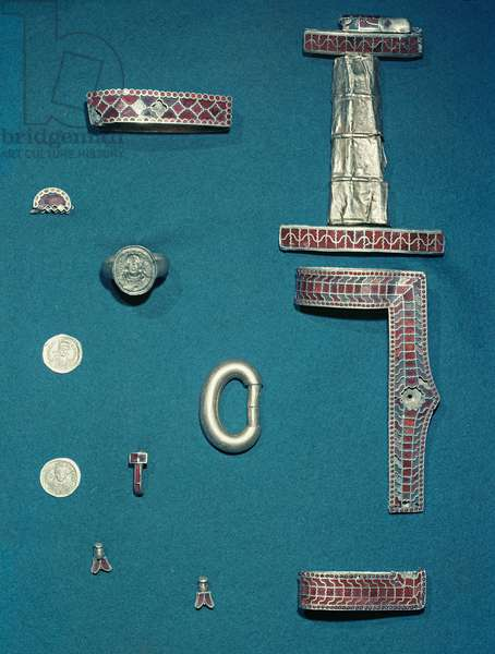 Selection of jewellery from the Treasure of Childeric (gold and garnet) (see also 172230, 694817 and 673214)