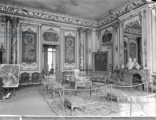 Jacquemart-Andre Museum, circular lounge, c.1910-20 (see also 345977) (b/w photo)