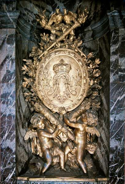 Sculpture on the landing of the Escalier de la Reine celebrating symbolically the marriage of Louis XIV and Marie-Therese of Austria, 1680 (gilded lead)