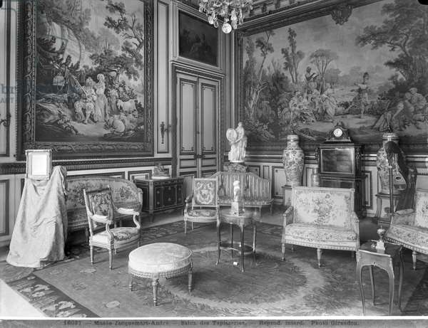 Jacquemart-Andre Museum, Tapestries lounge, c.1910-20 (b/w photo)