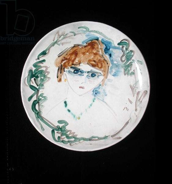 Plate with the head of a woman, c.1907-09 (ceramic)