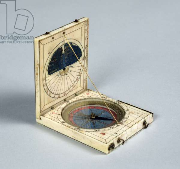 Compass and sundial, made in Dieppe (ivory)