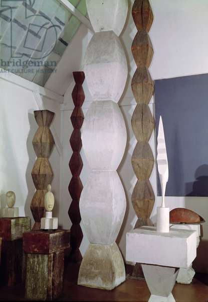 Maquettes for the Endless Column (wood & stone)