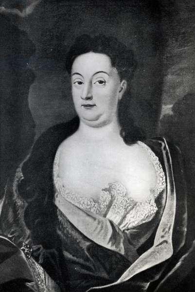 Portrait of Countess Ehrengard Melusine von der Schulenburg, Duchess of Kendal (1667-1743) (oil on canvas) (b/w photo)