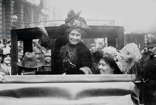Mrs Pankhurst leaves Bow Street with her daughter Christabel after being granted bail, 1912 (b/w photo)