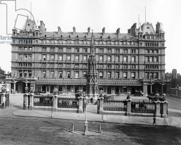 Charing Cross Hotel (b/w photo)