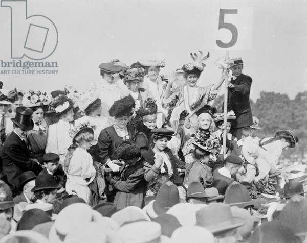 Women's Sunday in Hyde Park, 1908 (b/w photo)