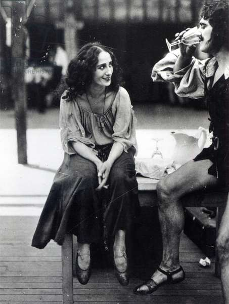 Anna Pavlova as Fenella in a scene from the film 'The Dumb Girl of Portici', 1916 (b/w photo)