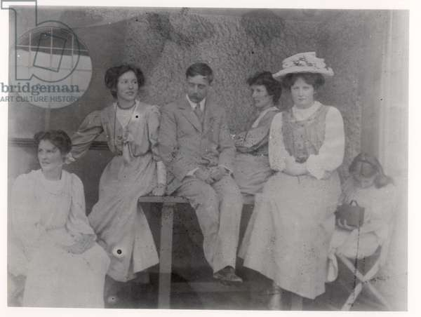Herbert George Wells (1866-1946) with his mistress Rebecca West (1892-1983) and friends, 20th century (b&w photo)