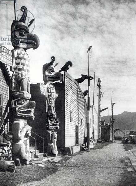 Kwakiutl village at Alert Bay, 1914 (b&w photo)