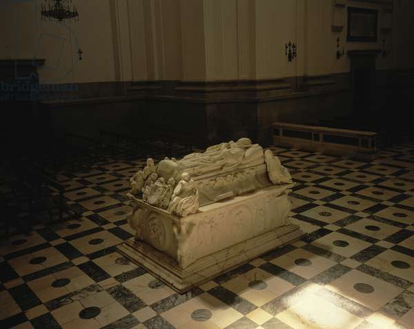 Tomb of Cardenal Tavera in the Church of the Hospital, designed by Alonso de Berruguete (1488-1561) (photo)