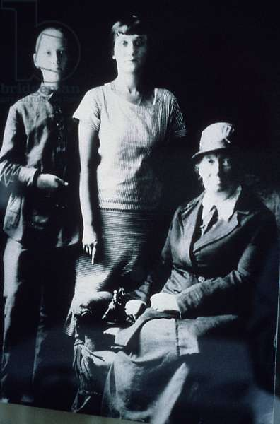 Anna Akhmatova (1889-1966) with her son and her mother-in-law (b/w photo)